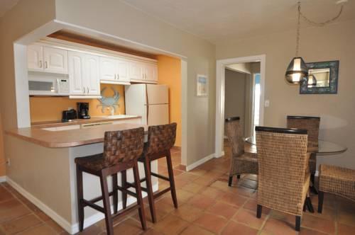 Lido Islander Inn And Suites - Sarasota in Sarasota FL 67
