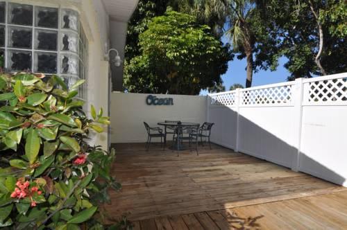 Lido Islander Inn And Suites - Sarasota in Sarasota FL 68
