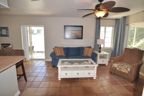 Lido Islander Inn And Suites - Sarasota in Sarasota FL 72