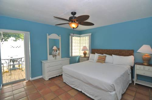 Lido Islander Inn And Suites - Sarasota in Sarasota FL 75