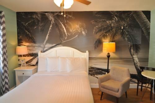 Lido Islander Inn And Suites - Sarasota in Sarasota FL 81