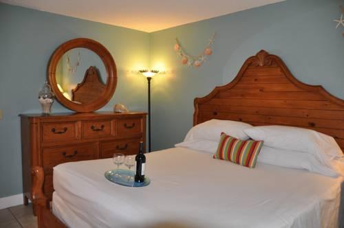 Lido Islander Inn And Suites - Sarasota in Sarasota FL 32