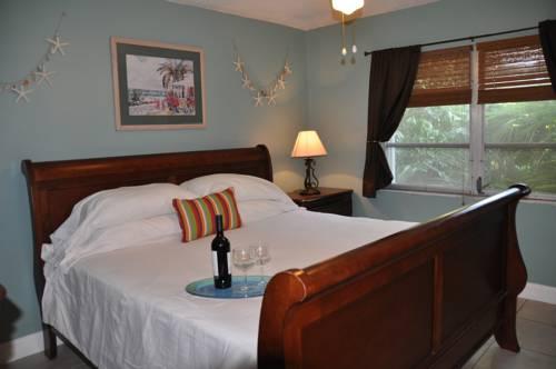Lido Islander Inn And Suites - Sarasota in Sarasota FL 38