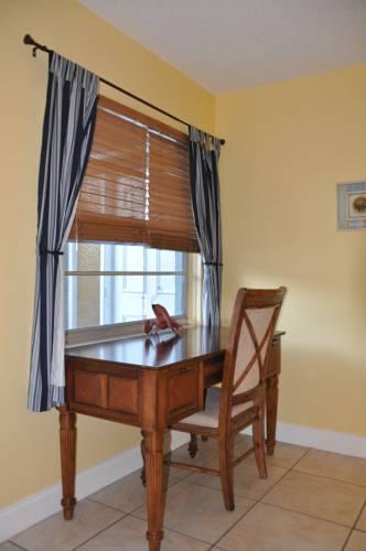 Lido Islander Inn And Suites - Sarasota in Sarasota FL 45