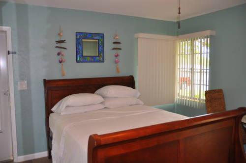 Lido Islander Inn And Suites - Sarasota in Sarasota FL 58