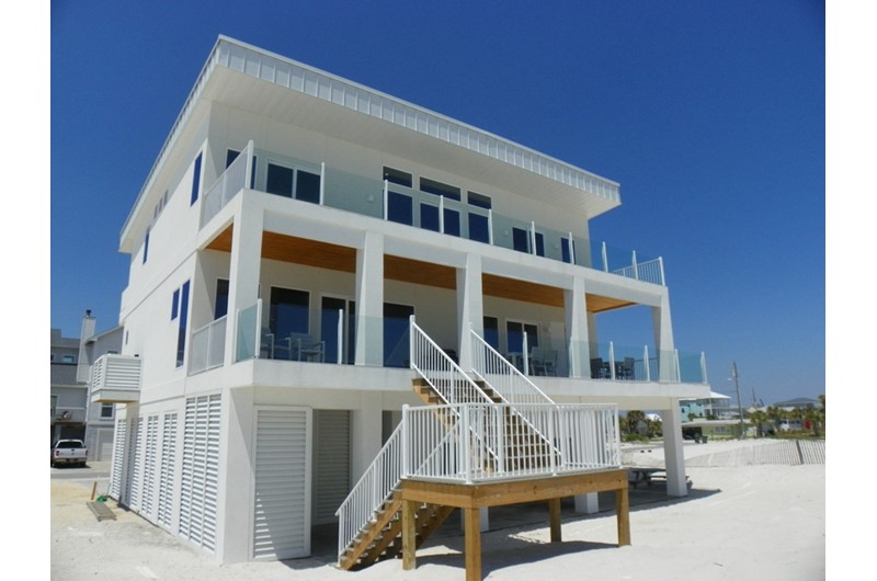 Beachfront modern luxury home in Pensacola
