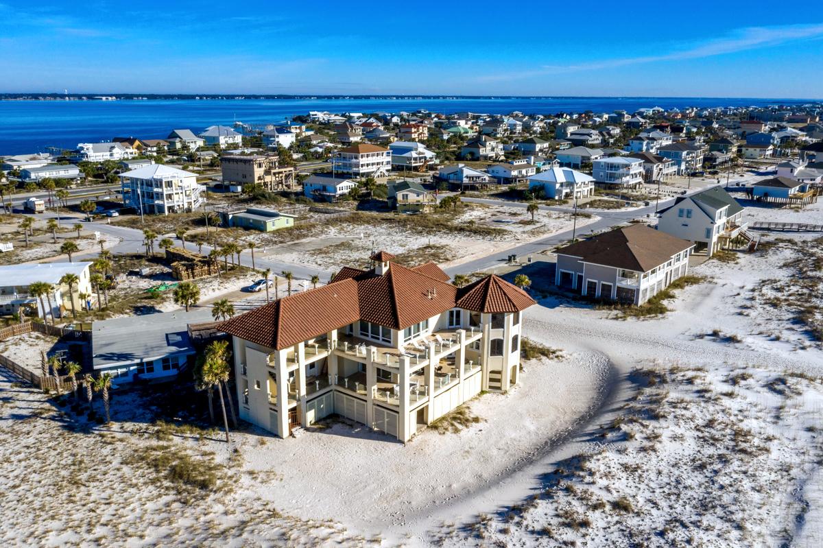 Avenida 14 - 500 House/Cottage rental in Luxury Homes in Pensacola Beach Florida - #72