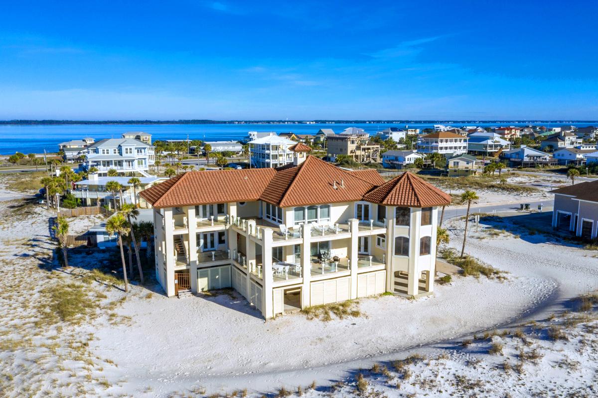 Avenida 14 - 500 House/Cottage rental in Luxury Homes in Pensacola Beach Florida - #77