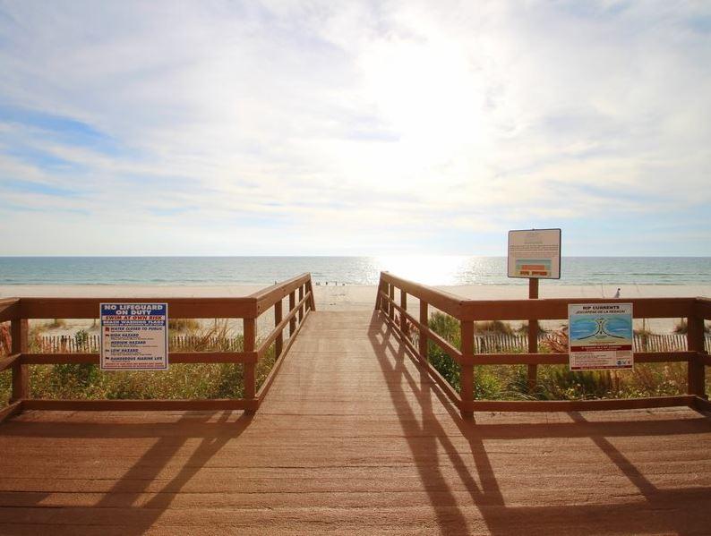 Majestic 207 West - Tower I 2 Bedrooms Beachfront Pool Sleeps 6 Condo rental in Majestic Beach Resort in Panama City Beach Florida - #4