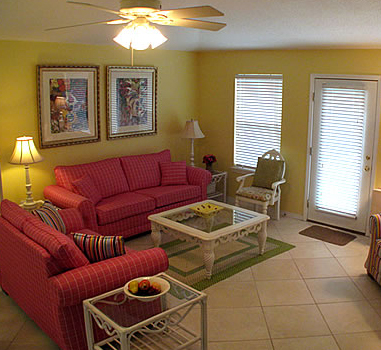 Family room at Mara Lee Vacation Rentals in Destin Florida.