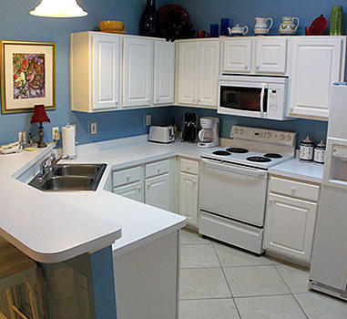Fully equipped kitchens at Mara Lee Vacation Rentals in Destin Florida.