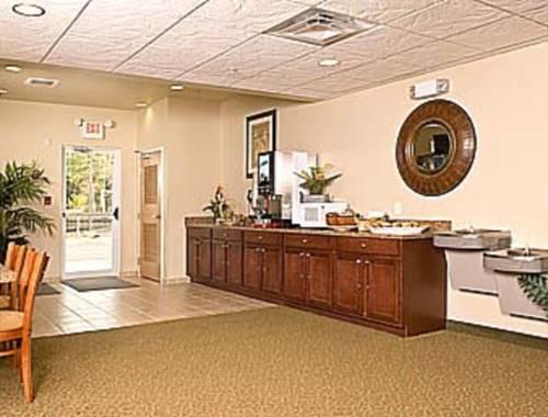 Microtel Inn & Suites By Wyndham Gulf Shores in Gulf Shores AL 29