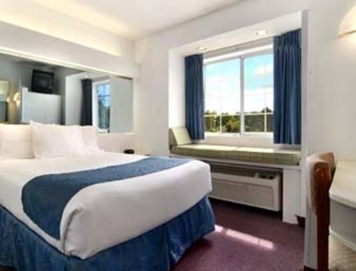Microtel Inn & Suites By Wyndham Gulf Shores in Gulf Shores AL 74