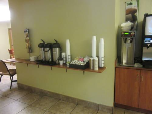 Microtel Inn & Suites By Wyndham Gulf Shores in Gulf Shores AL 80