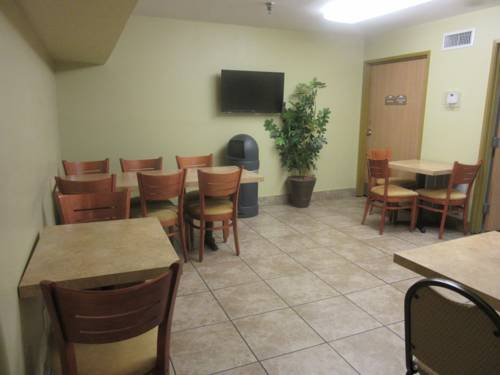 Microtel Inn & Suites By Wyndham Gulf Shores in Gulf Shores AL 81