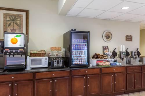 Microtel Inn & Suites By Wyndham Gulf Shores in Gulf Shores AL 88
