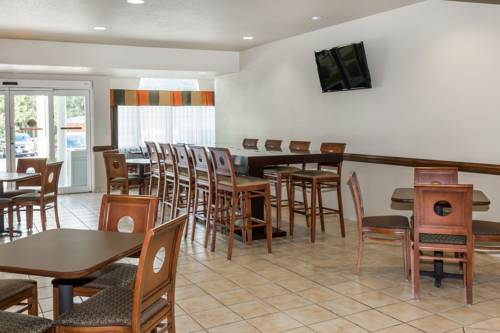 Microtel Inn & Suites By Wyndham Gulf Shores in Gulf Shores AL 18