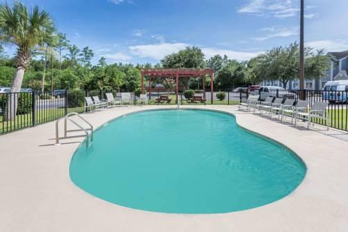 Microtel Inn & Suites By Wyndham Gulf Shores in Gulf Shores AL 34
