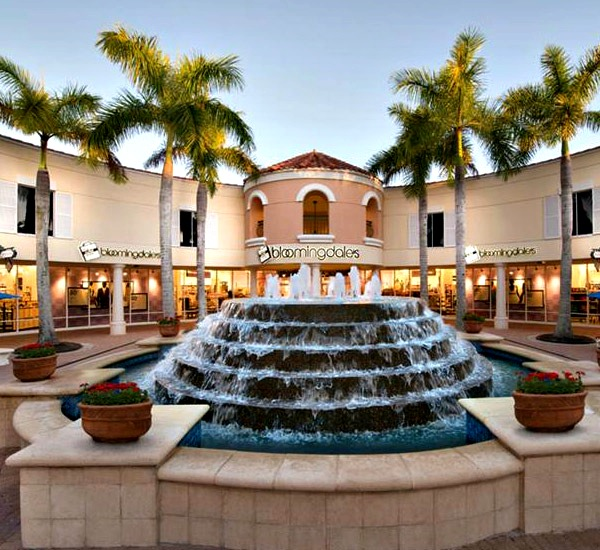 Miromar Outlets in Fort Myers Beach Florida