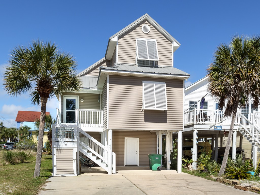 Blue's Beach Bungalow House / Cottage rental in Navarre Beach House Rentals in Navarre Florida - #1