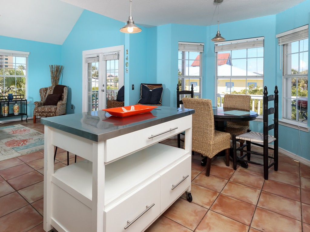 Blue's Beach Bungalow House / Cottage rental in Navarre Beach House Rentals in Navarre Florida - #8