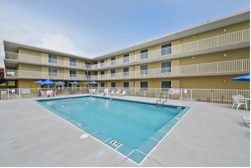 Best Western Navarre Waterfront - https://www.beachguide.com/navarre-vacation-rentals-best-western-navarre-waterfront--1675-0-20168-5121.jpg?width=185&height=185