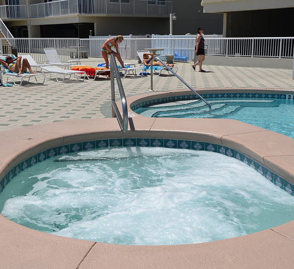 Hot tub at Summerwinds Resorts in Navarre Florida