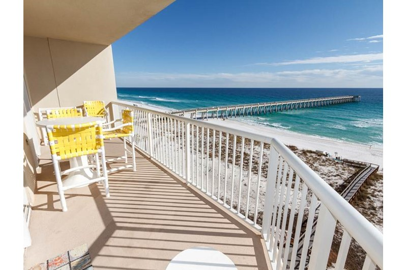 Lovely view of the beach from Summerwinds Resorts in Navarre Florida