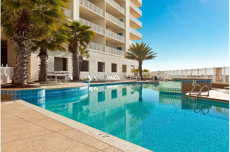Big outdoor pool at Admirals Quarters Orange Beach