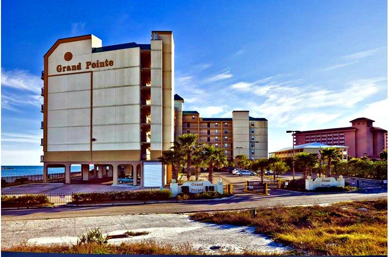 Grand Pointe - https://www.beachguide.com/orange-beach-vacation-rentals-grand-pointe-8437369.jpg?width=185&height=185
