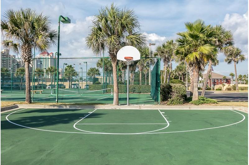 Basketball court at Phoenix V in Orange Beach Alabama