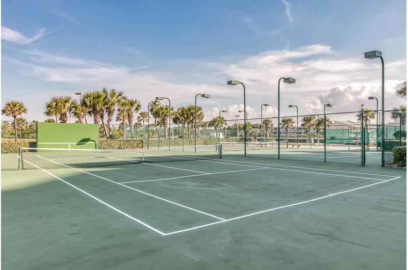 Tennis courts at Phoenix V in Orange Beach Alabama