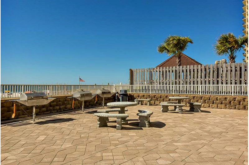 Beachfront picnic area at Romar Place in Orange Beach AL