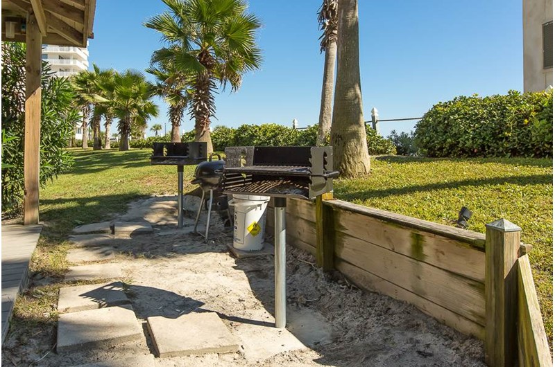Nice grilling area at Seascape in Orange Beach AL