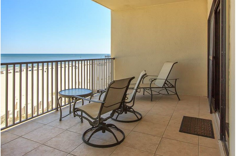 Inviting Gulf-front balcony at The Palms Orange Beach