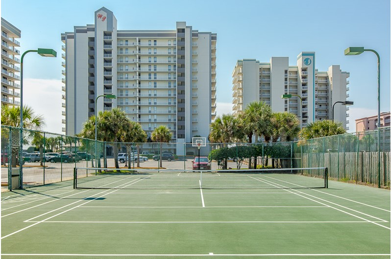 Enjoy a game of tennis with friends at Windward Pointe Condominiums in Orange Beach Alabama
