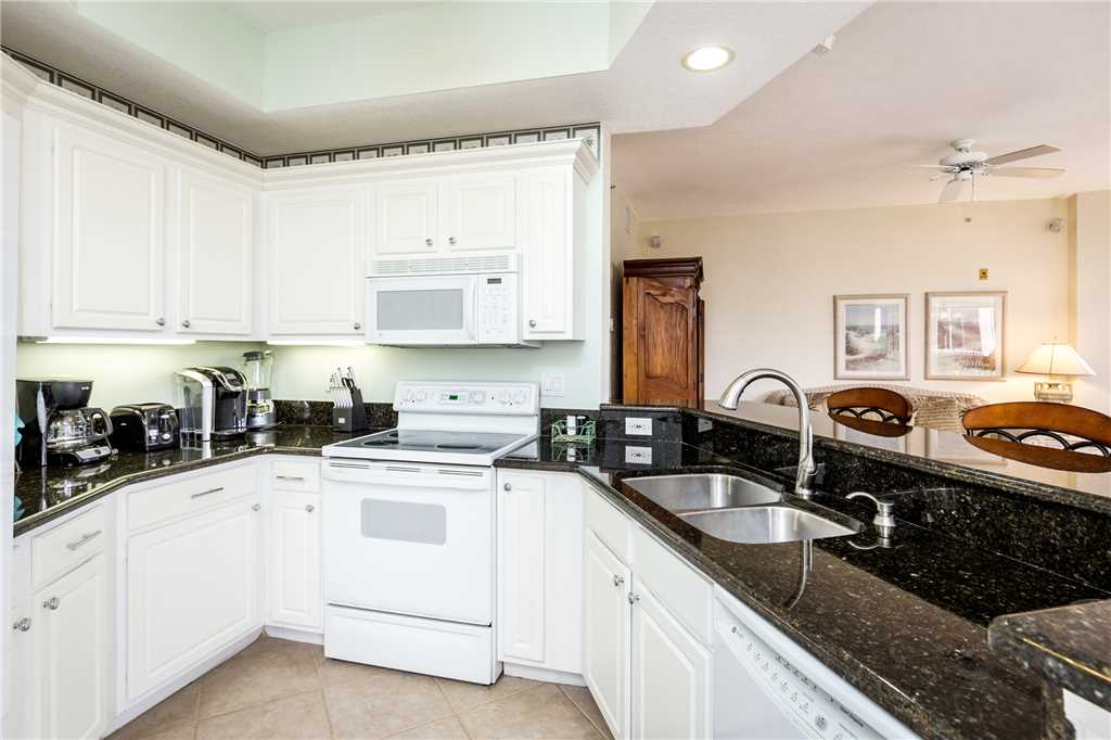 Palm Harbor 204E 3 Bedrooms Elevator Pool Spa WiFi Sleeps 6 Condo rental in Palm Harbor Condos in Fort Myers Beach Florida - #10