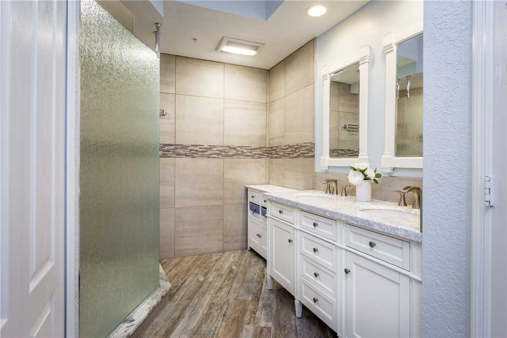 Palm Harbor 204E 3 Bedrooms Elevator Pool Spa WiFi Sleeps 6 Condo rental in Palm Harbor Condos in Fort Myers Beach Florida - #14