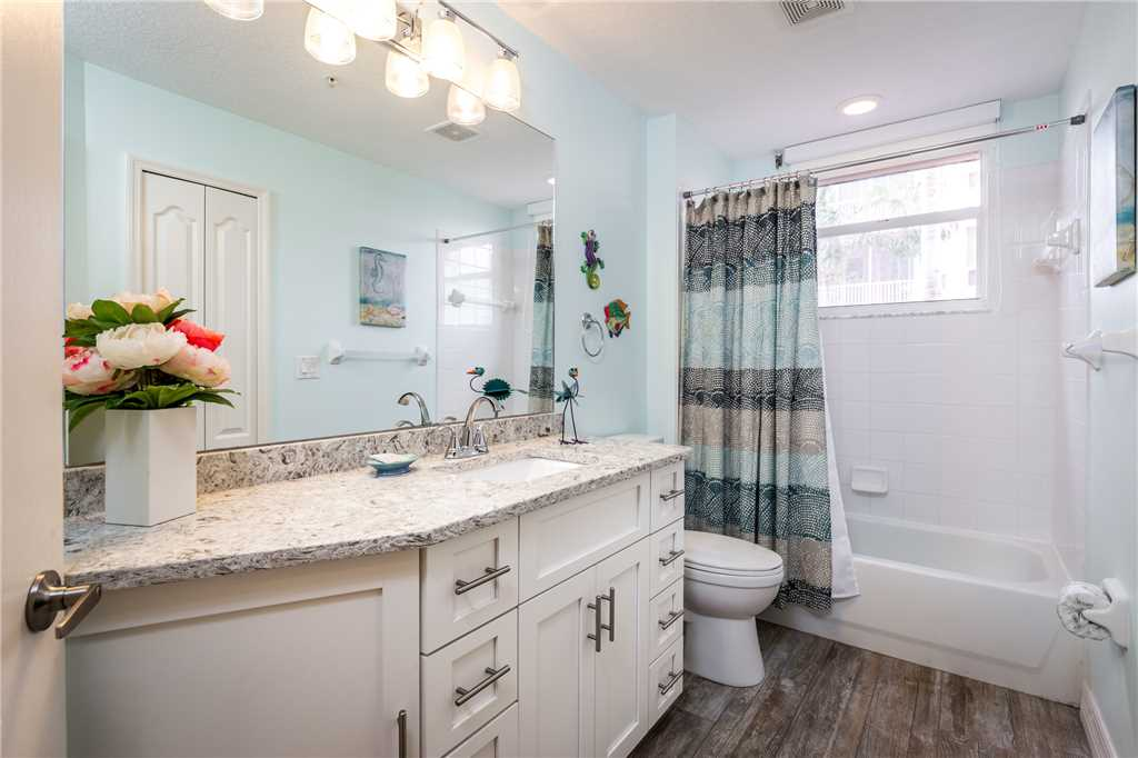 Palm Harbor 204E 3 Bedrooms Elevator Pool Spa WiFi Sleeps 6 Condo rental in Palm Harbor Condos in Fort Myers Beach Florida - #18