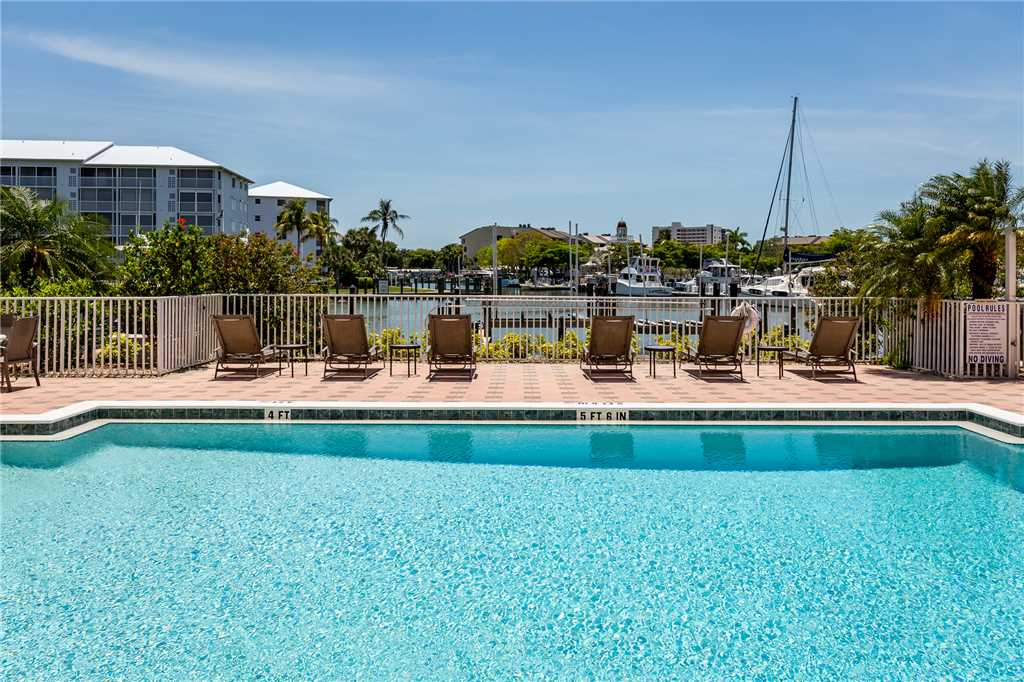 Palm Harbor 504W 3 Bedrooms Elevator Pool Hot Tub WiFi Sleeps 6 Condo rental in Palm Harbor Condos in Fort Myers Beach Florida - #18