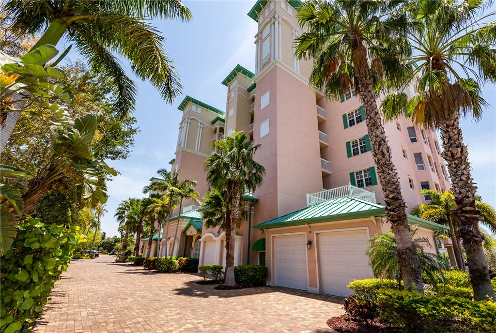 Palm Harbor 504W 3 Bedrooms Elevator Pool Hot Tub WiFi Sleeps 6 Condo rental in Palm Harbor Condos in Fort Myers Beach Florida - #20