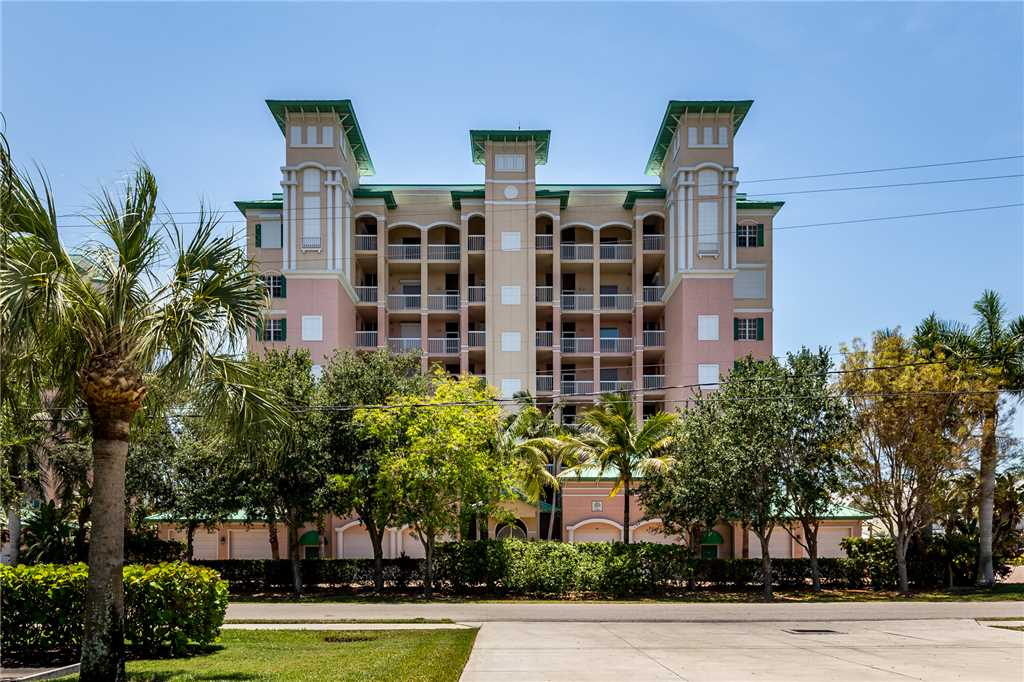 Palm Harbor 504W 3 Bedrooms Elevator Pool Hot Tub WiFi Sleeps 6 Condo rental in Palm Harbor Condos in Fort Myers Beach Florida - #22