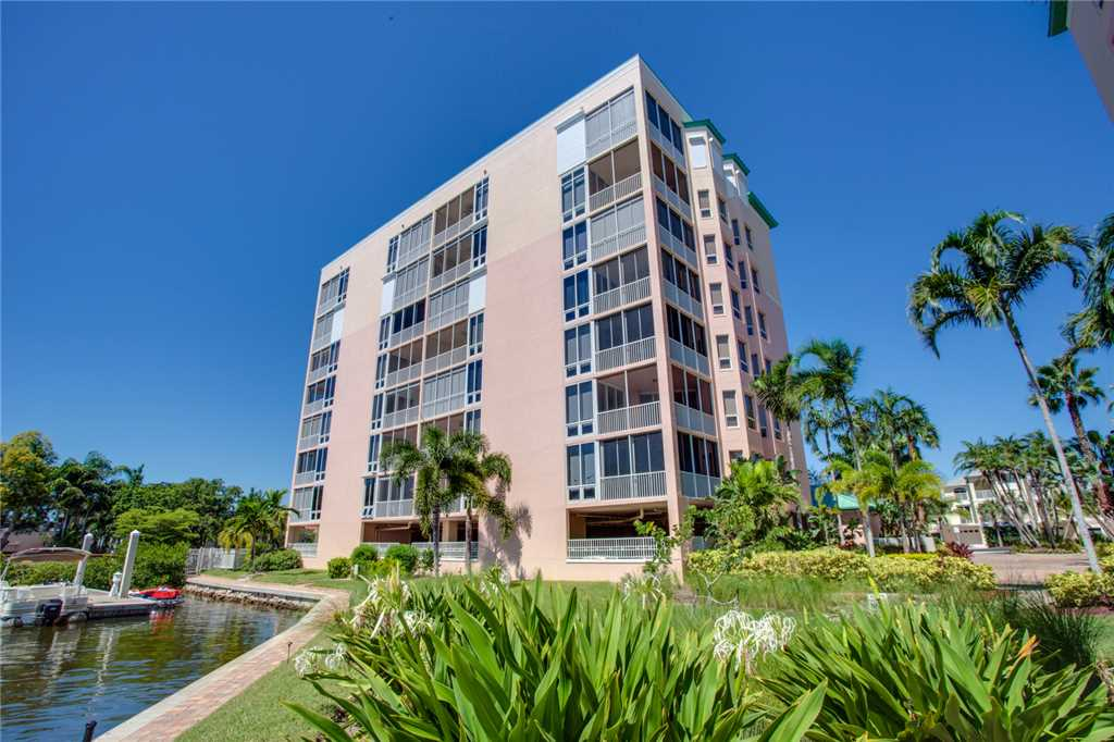 Palm Harbor 504W 3 Bedrooms Elevator Pool Hot Tub WiFi Sleeps 6 Condo rental in Palm Harbor Condos in Fort Myers Beach Florida - #23