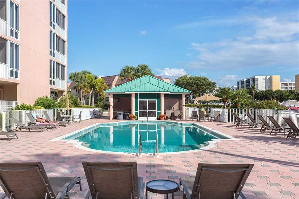 Palm Harbor 702W 2 Bedroom 7th Floor Elevator Pool Spa WiFi Sleeps 6 Condo rental in Palm Harbor Condos in Fort Myers Beach Florida - #23