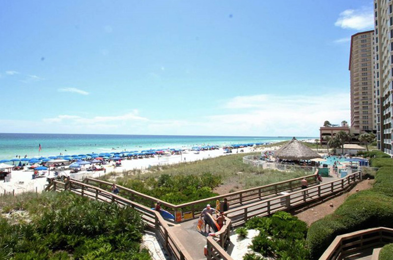 Easy access to the beach at Emerald Beach Resort in Panama City Beach FL