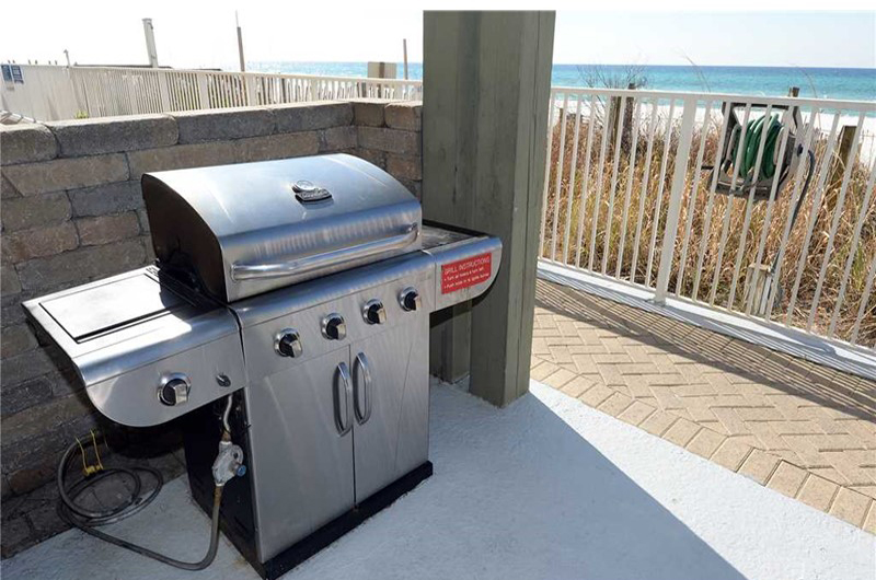 Enjoy grilling out while at Emerald Isle in Panama City Beach FL