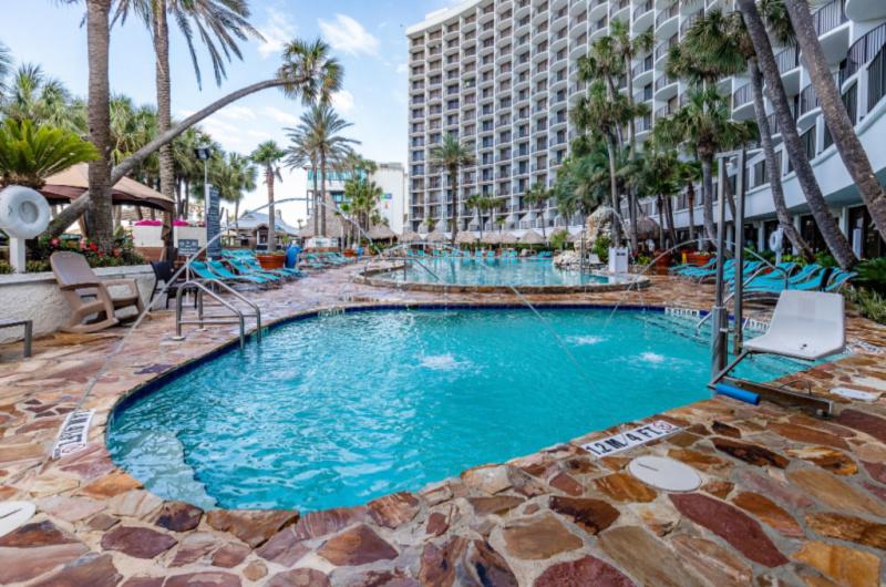 Holiday Inn Resort  - https://www.beachguide.com/panama-city-beach-vacation-rentals-holiday-inn-resort--135-0-20212-1191.jpg?width=185&height=185