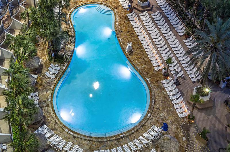 Holiday Inn Resort  - https://www.beachguide.com/panama-city-beach-vacation-rentals-holiday-inn-resort-8736538.jpg?width=185&height=185