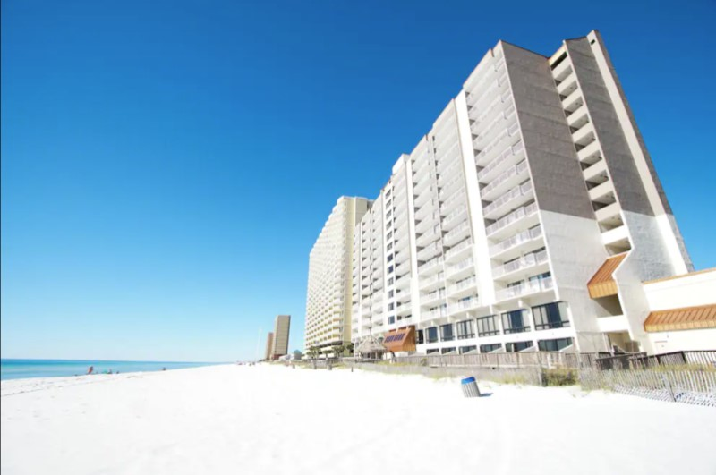 Landmark Holiday Beach Resort - https://www.beachguide.com/panama-city-beach-vacation-rentals-landmark-holiday-beach-resort--1291-0-20216-4551.jpg?width=185&height=185