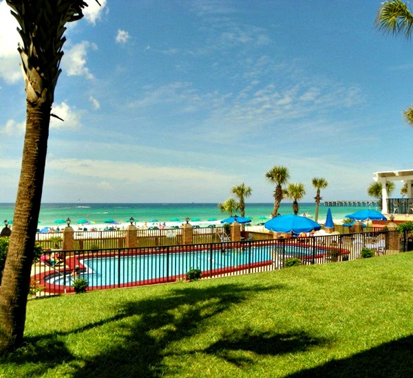 Beachside pool at Osprey Motel in Panama City Beach Florida